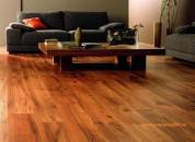 5 cách làm sạch sàn gỗ công nghiệp